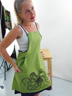 Octopus on Green Full Apron